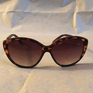 Lucky Brand  🍀 Sunglasses 🕶